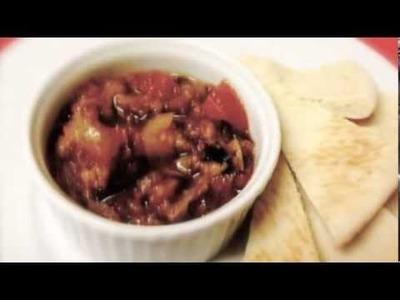Berenjenas guisadas con tomate y cebolla.Eggplant stew