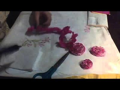 Como Hacer una rosa o un clavel con papel crepe :)