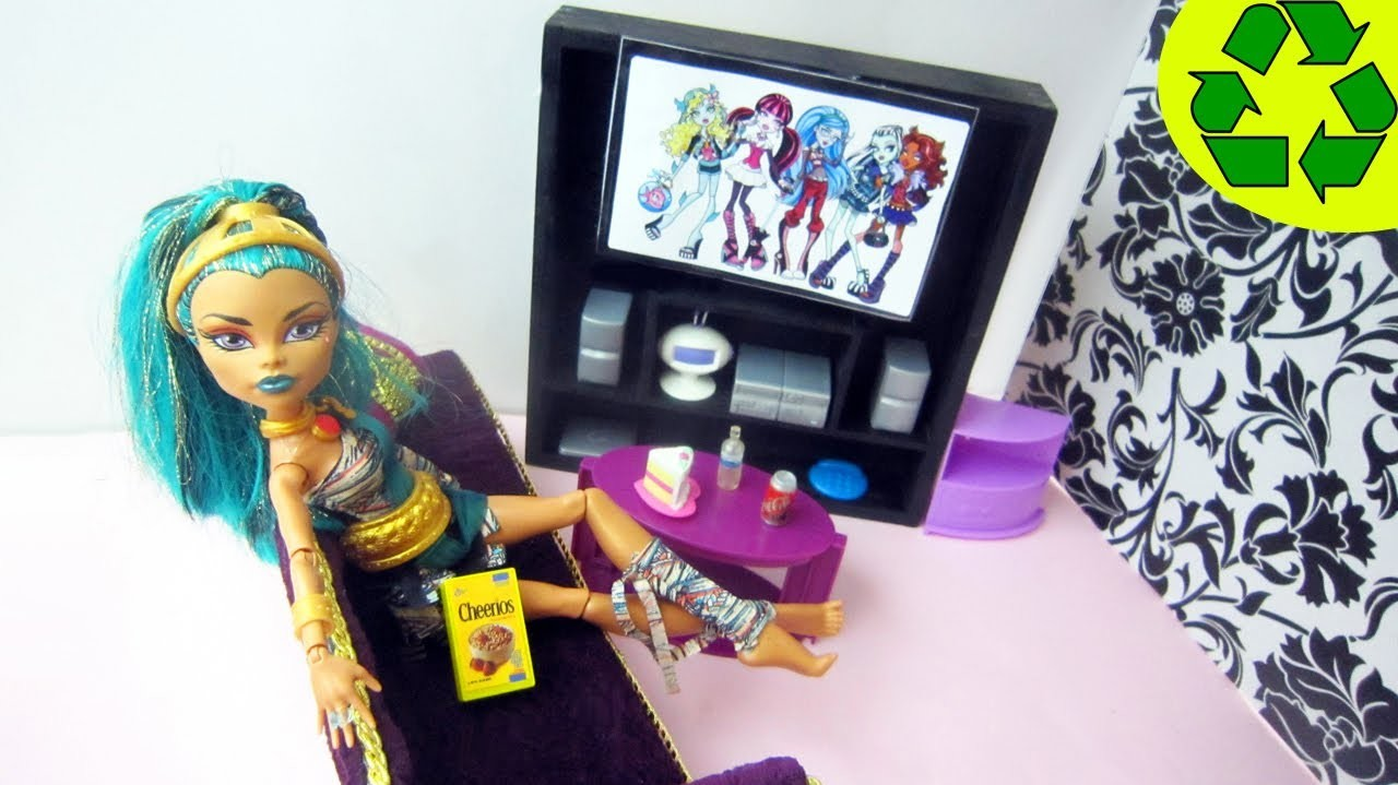 """Manualidades para muñecas: Haz una televisión tv  """"flat screen"""" para tu muñeca - Reciclaje"""