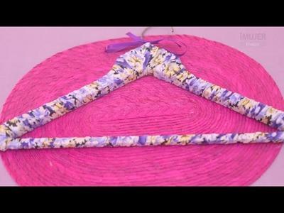 Telas y moñas para decorar tus perchas | @iMujerHogar
