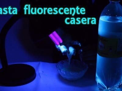 Cómo hacer pasta fluorescente casera (Experimentos Caseros)