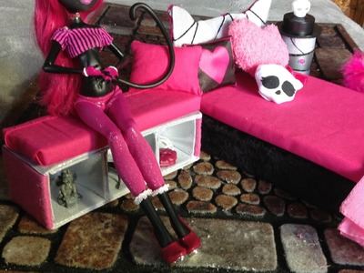 Como hacer un mueble para tus Monster High, EAH, Barbies.