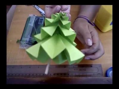 Árbol navideño de papel