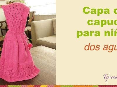 Capa con capucha tejida en dos agujas para niñas