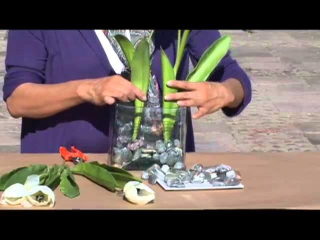 Como hacer un arreglo de tulipanes de seda con piedra de rio