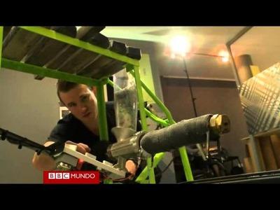 La bicicleta que convierte el plástico en hilo