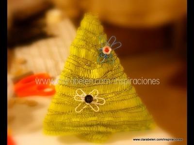 Manualidades: Fabricar un árbol de Navidad para niños con pajitas, confeti y lana
