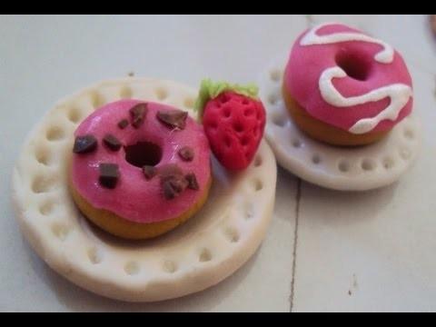 Tutorial: Dona en Porcelana Fría (2 decoraciones). Cold Porcelain Donut (2 decorations)