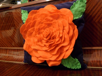 14 de febrero, DIY Cojín de rosa con fieltro