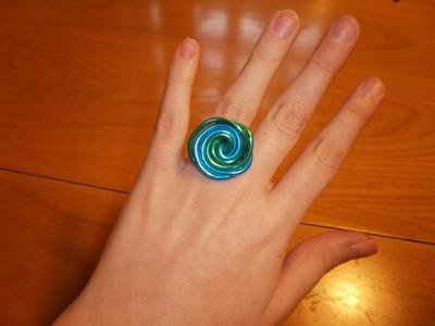 Cómo hacer un anillo de dos colores con alambre | facilisimo.com