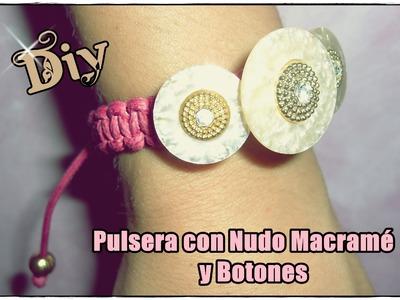 DIY: Pulsera de macramé y botones