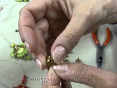 21 Pendientes con bolas de resina (Silvia Frannis)
