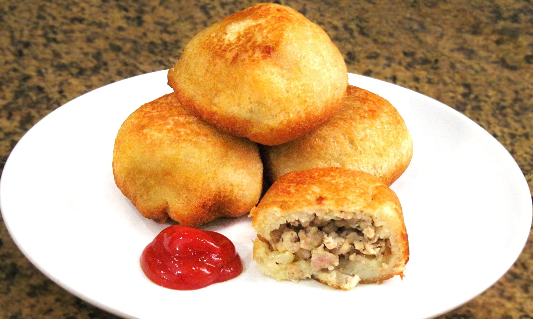 Bombas de Pan rellenas de Carne