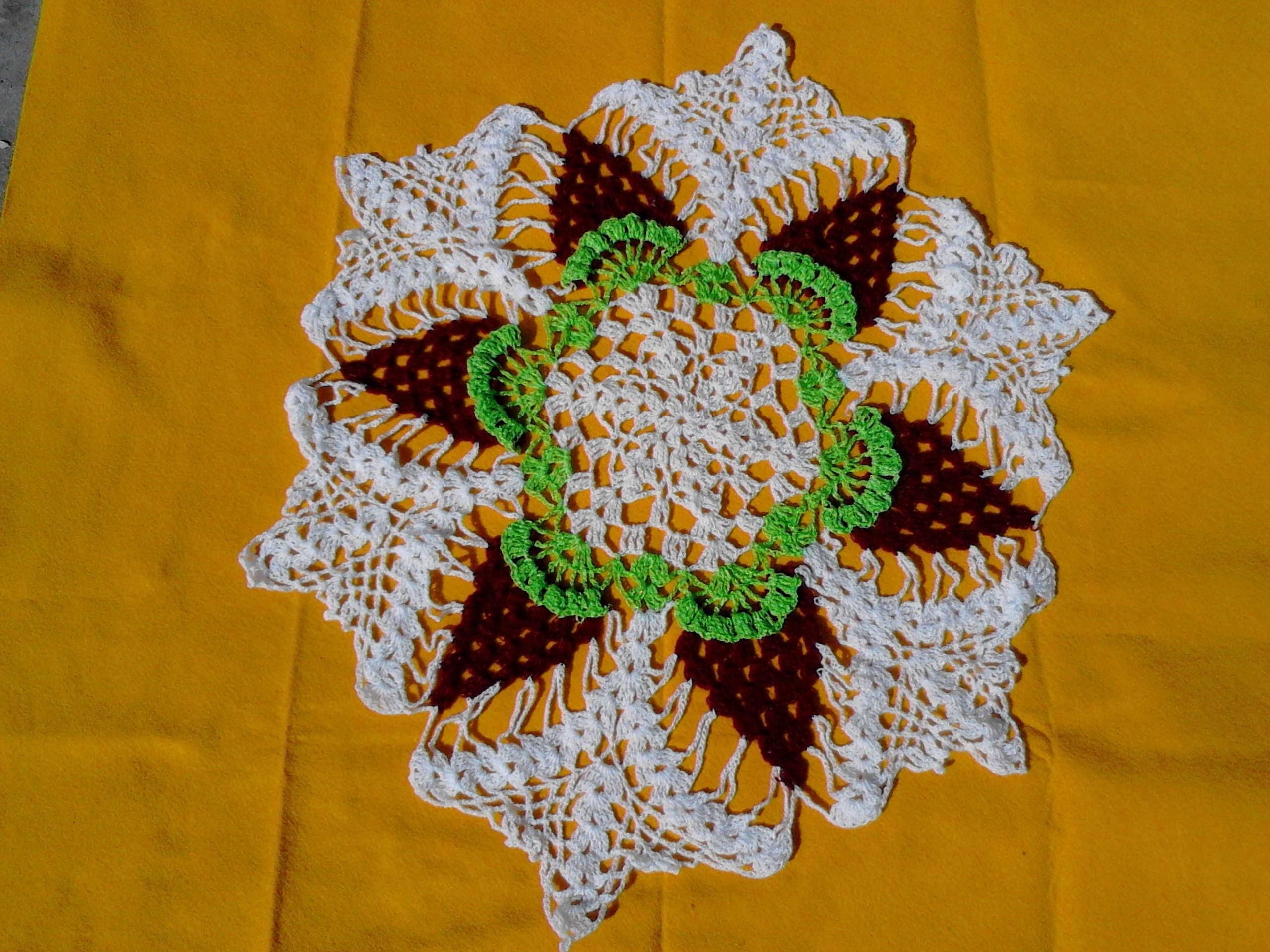 Carpeta tejida con ganchillo  3 colores