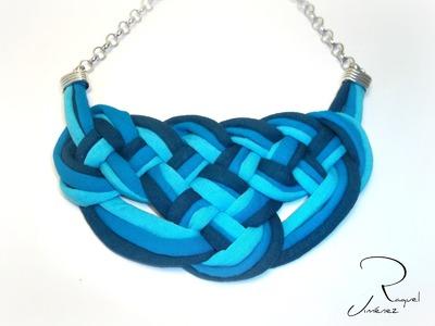 Como hacer nudos celtas para un collar de trapillo.How to make a Celtic knot necklaces