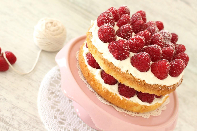 Receta: Tarta genovesa de frambuesas -- Layer cake