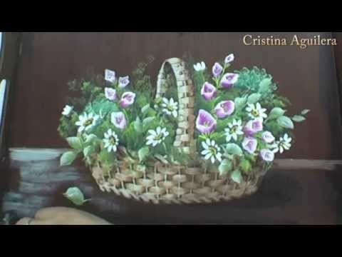 Pintar cesta de mimbre con flores . Paint wicker basket with flowers