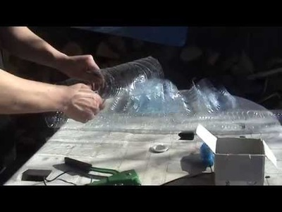 Reciclaje:Construcción tejado con botellas de plástico