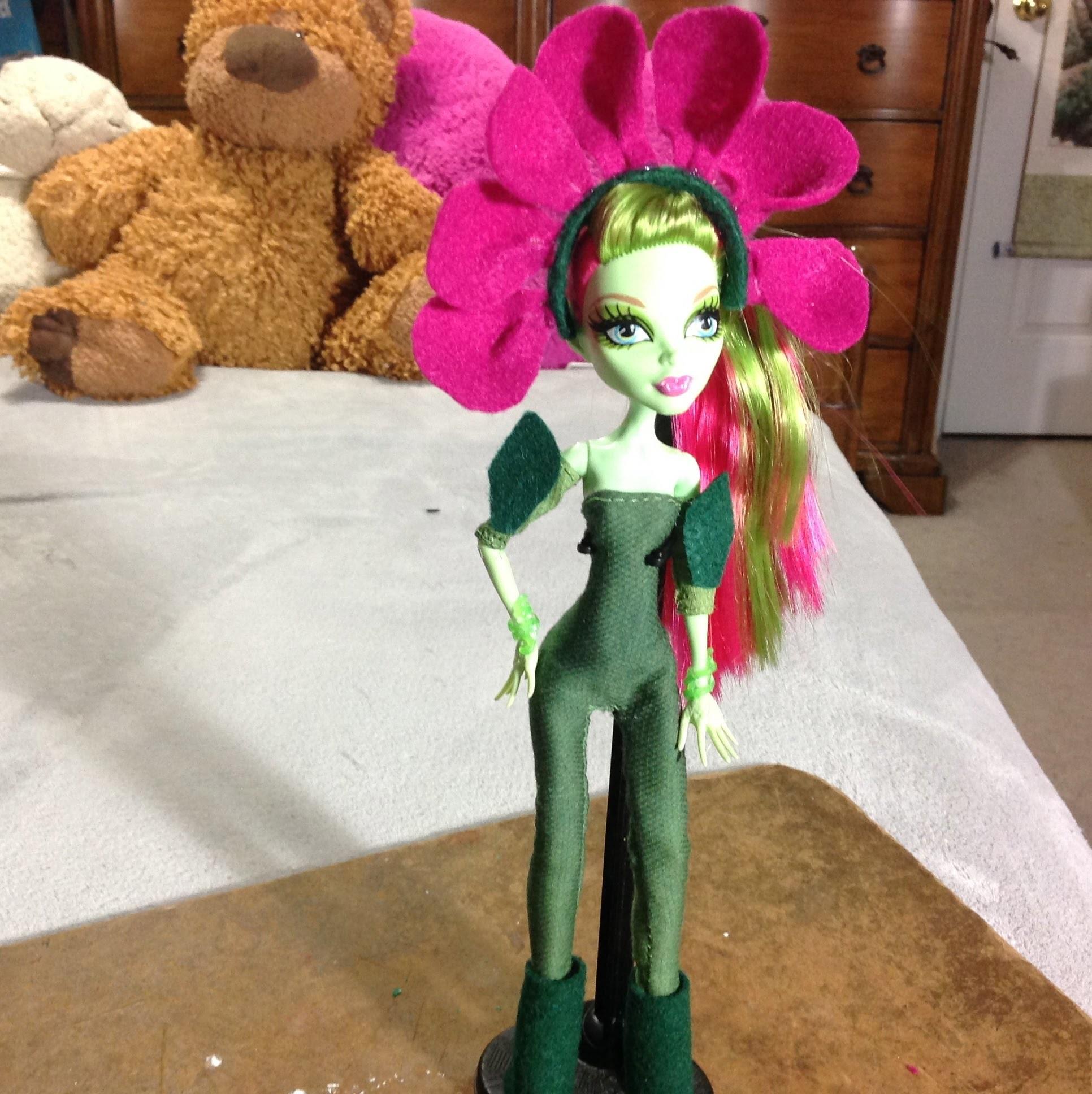 Como hacer un disfraz de Flor para tus muñecas.