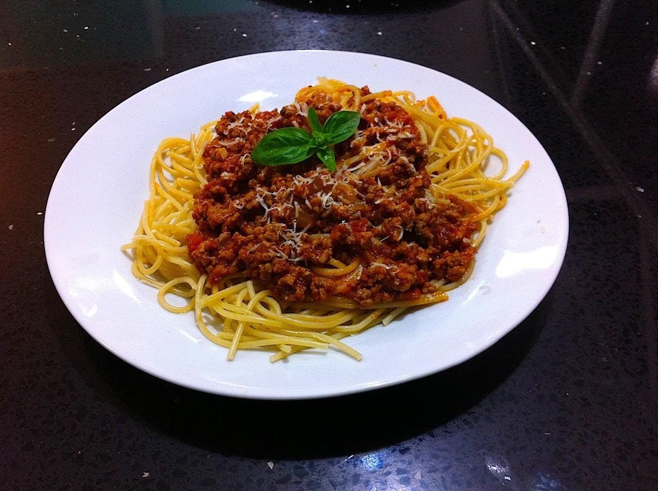 Espagueti a la Boloñesa receta fácil rápida y le encanta a los niños - La receta de la abuelita
