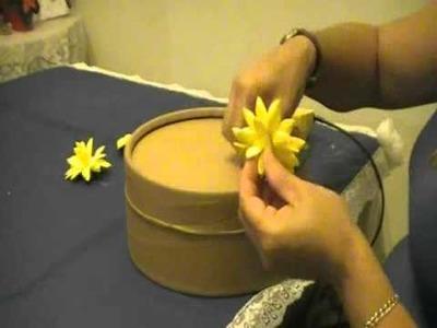 Como hacer una caja decorada con flores en goma eva