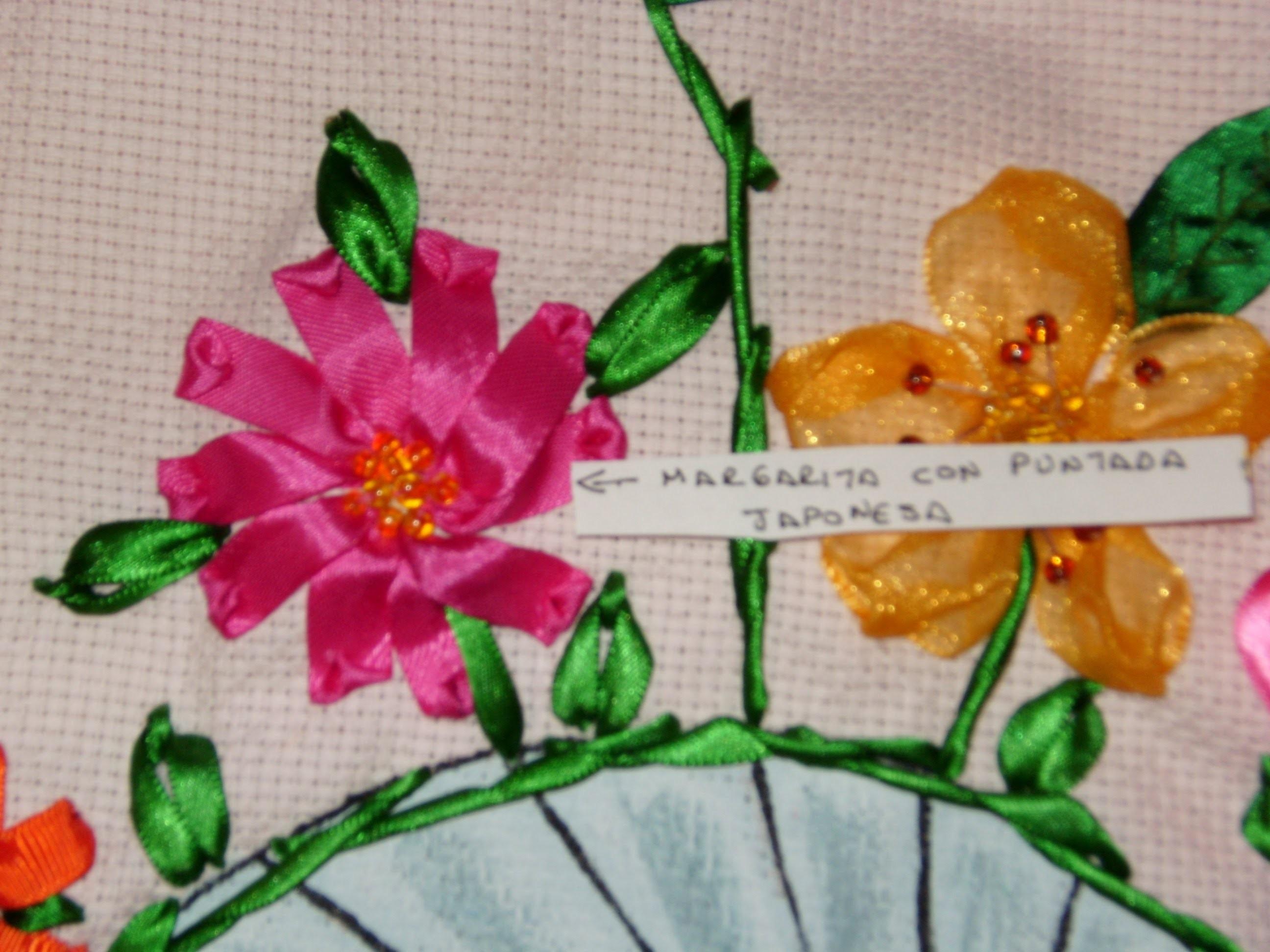 Cómo hacer una flor margarita con puntada japonesa, bordado en listón.