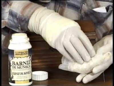 Cómo aplicar goma laca a muñequilla en un mueble
