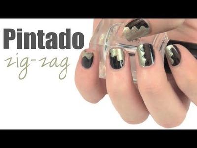 Diseños de uñas con tijeras zig-zag