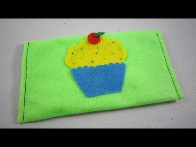 Episodio 604- Cómo hacer una bolsa para lapices de fieltro con un pastelito o biscochuelo