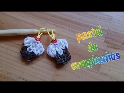 Pastelito de cumpleaños con rainbow loom