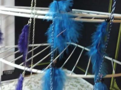 ARETES:cadena con plumas muy facil d hacer