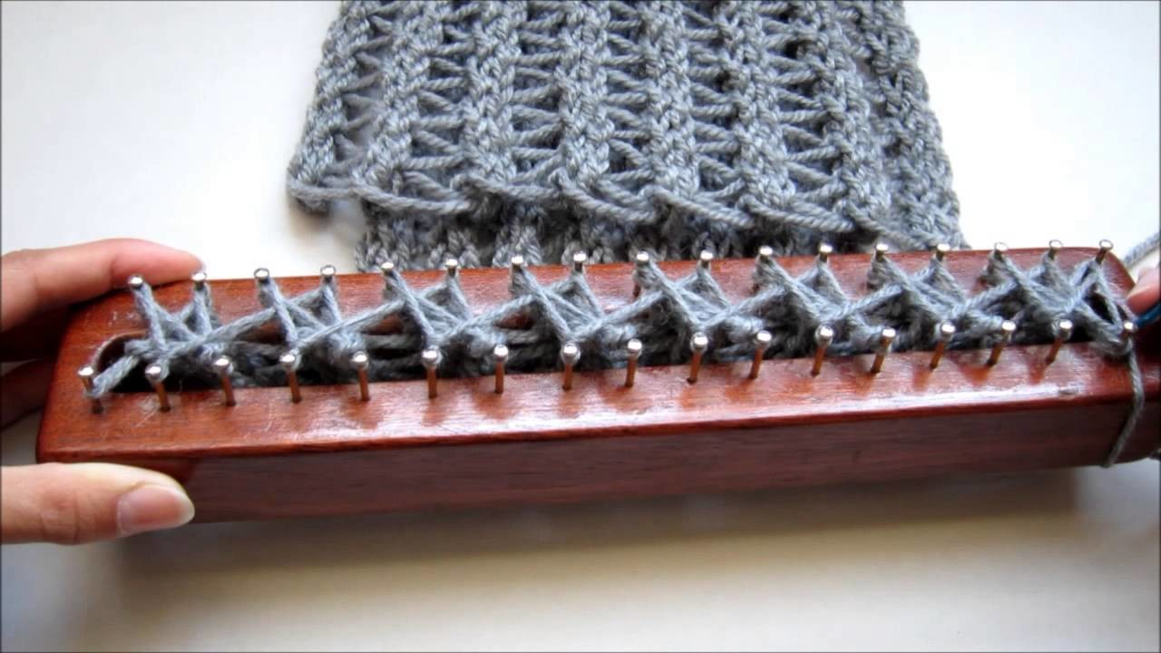 Punto Calado en Telar Maya. Fretwork Stitch on Loom