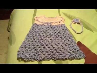 Vestido en punto salomón o espuma de mar y cintilla para la cabeza en crochet