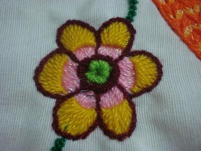 Bordado Fantasia Flor Pequeña