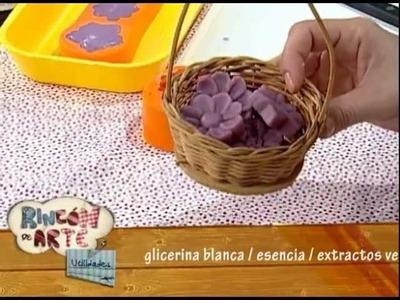 Jabón artesanal -- Maceta con flores