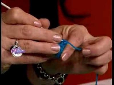 Mónica Astudillo - Bienvenidas TV - Teje al crochet unos accesorios.