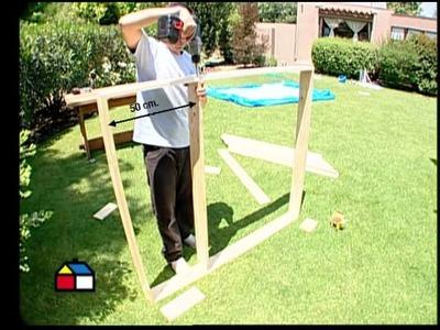 ¿Cómo construir un piso para la piscina de lona?