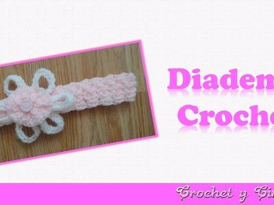 Diadema tejida a crochet (ganchillo) con flor