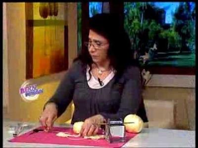 Mónica Astudillo - Bienvenidas TV - Teje un saquito en crochet.