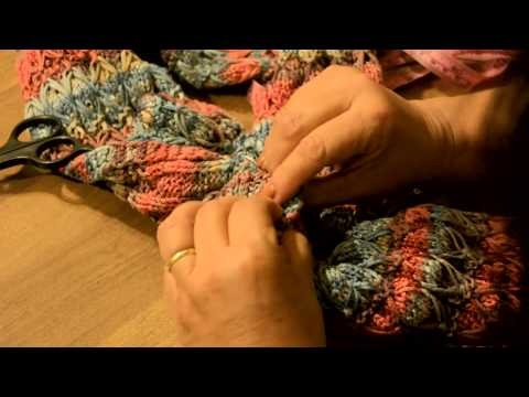Cuello con botones de coco rombro y lazadas 004