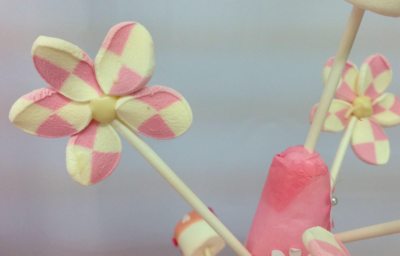 Flores de Marshmallows o nubes o malvaviscos o bombones. Marshmallow flowers