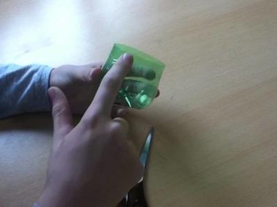 Manualidades para reciclar: servilletero con una botella - manualidades y reciclar