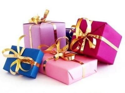 TIPS para Navidad: Envuelve tus regalos de maneras distintas y lazos pomposos a mano