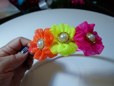 Diademas decoradas con rosetones en cinta organza.in rosette headband