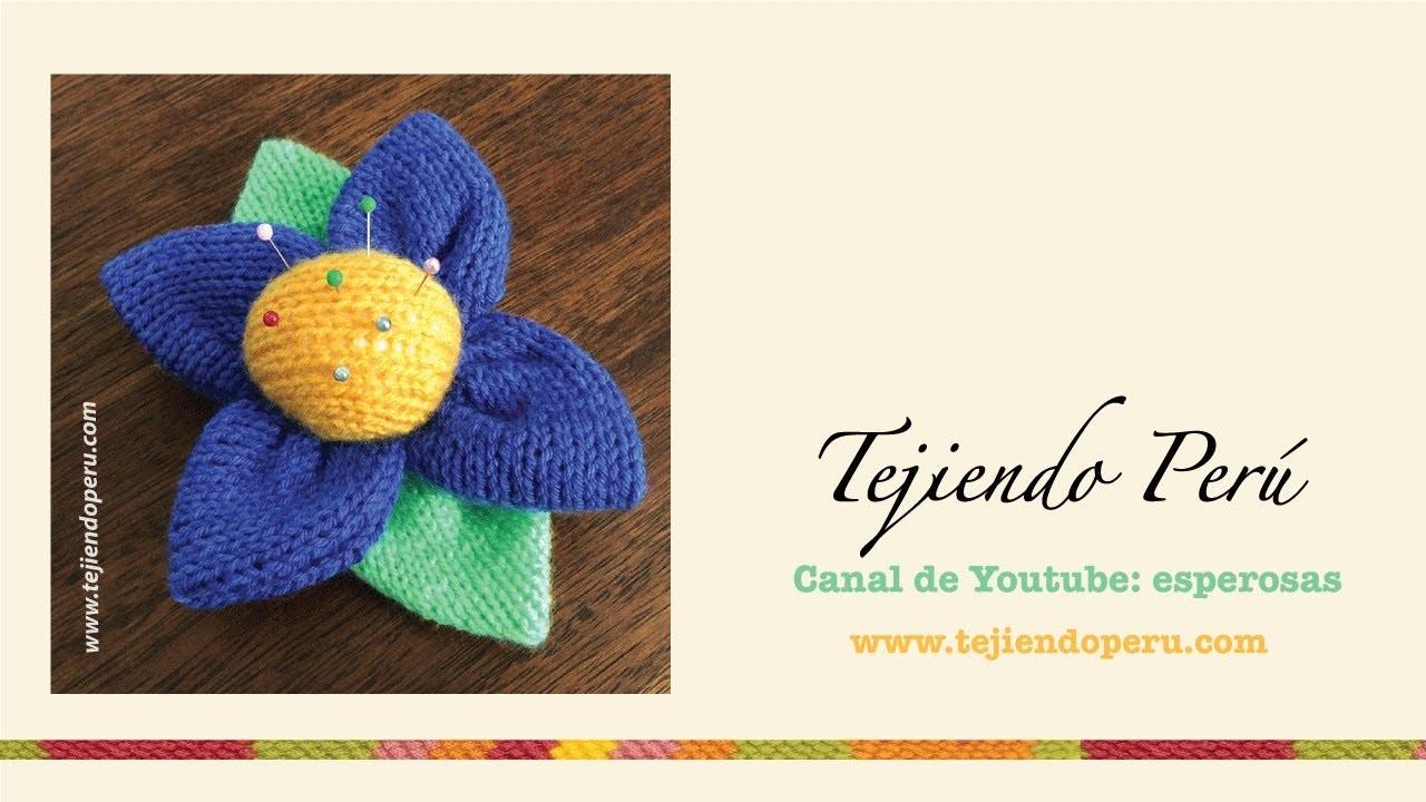 Flor alfiletero tejida en dos agujas o palitos (knitted pincushion flower)