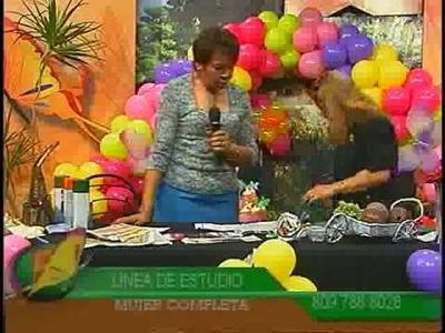 167.Noris López. como hacer flores de papel de periódico. Parte 2
