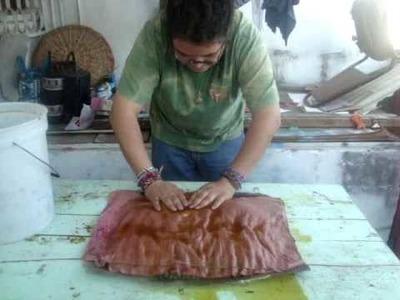 Como hacer papel reciclado de colores.wmv