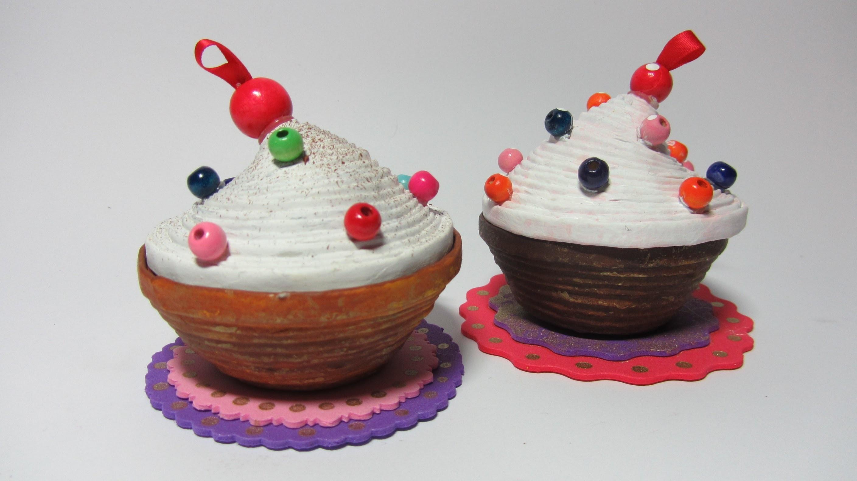 Cómo hacer una caja cupcake con papel. Cupcakes box.