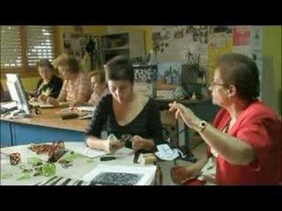 Maruja nos enseña como hacer peinetas