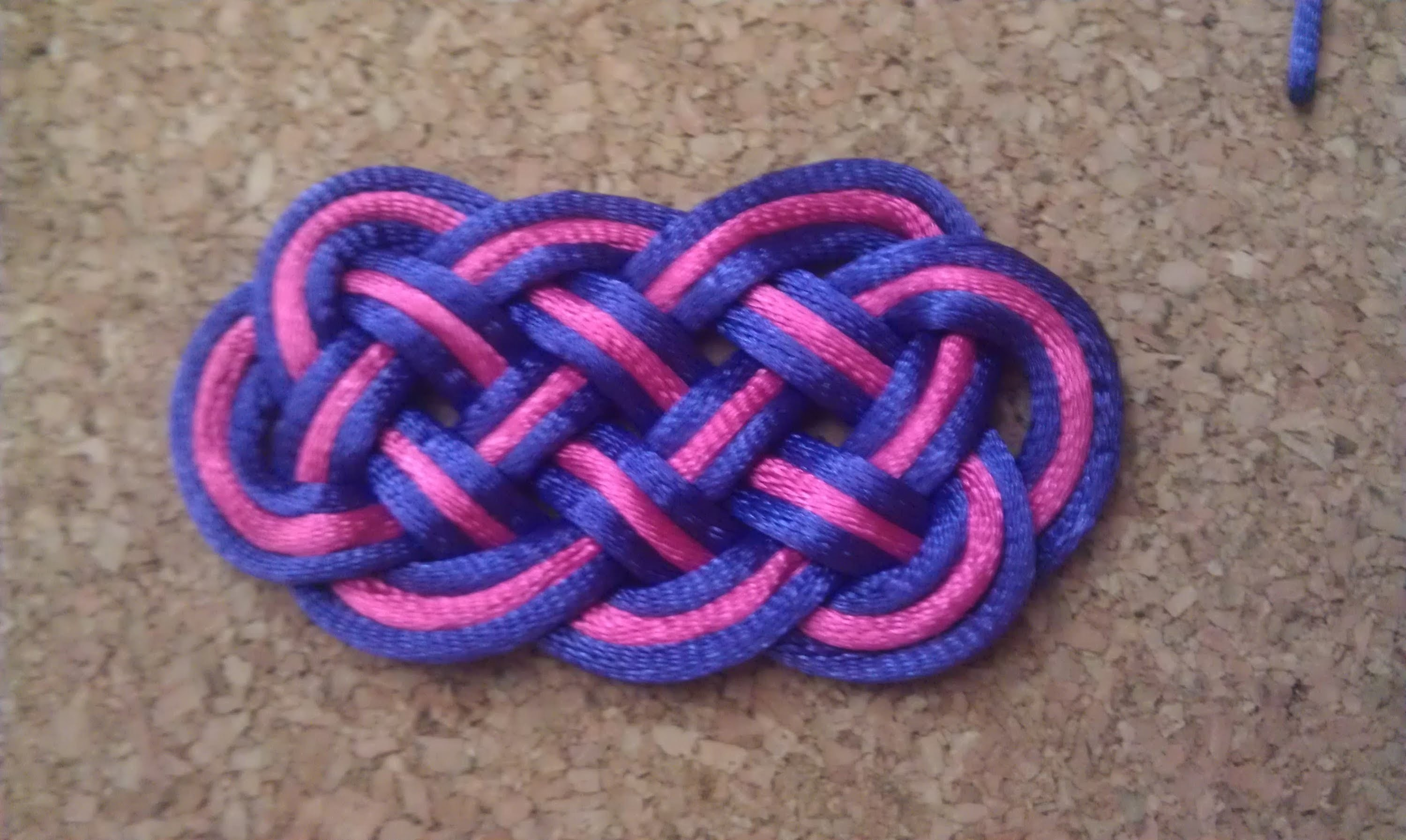 Nudo chino o pallete de ocho puntas. eight-pointed knot